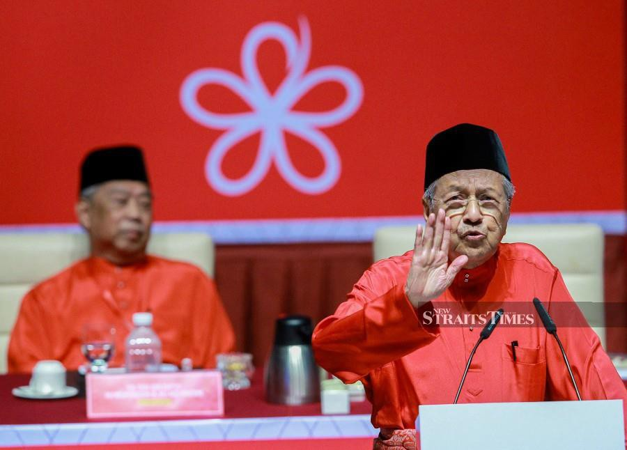 Bersatu released a statement that Dr Mahathir is still its chairman - just an hour after Muhyiddin announced that he had taken on the role of acting chairman. NSTP/ASYRAF HAMZAH