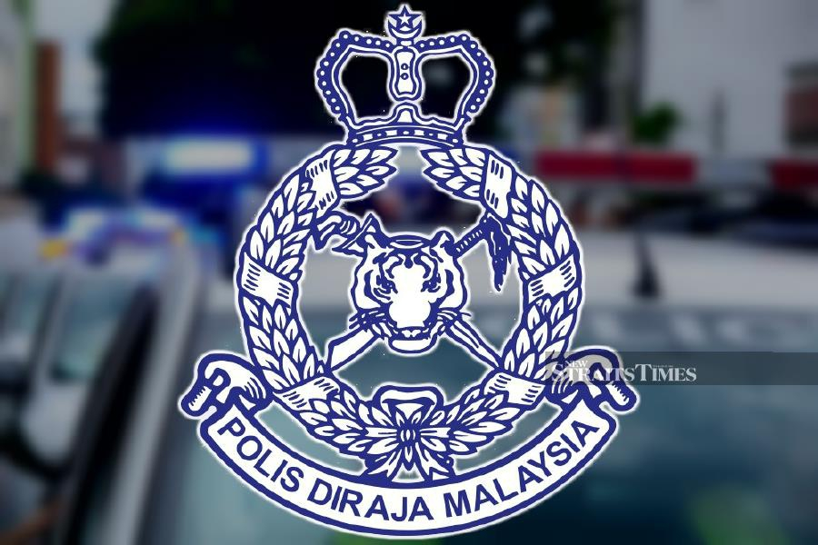 The incident began at 5am when a team of policemen conducting a security patrol at Bandar Country Homes in Rawang came across the trio, who were in a parked Volkswagen Polo. (NST File pic)