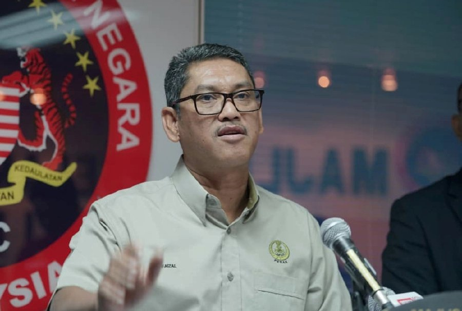 Perak Menteri Besar Datuk Seri Ahmad Faizal Azumu will take a two-month pay cut and channel the money to the Perak Disaster and Social Assistance Fund. -NSTP/Courtesy of Menteri Besar Perak office