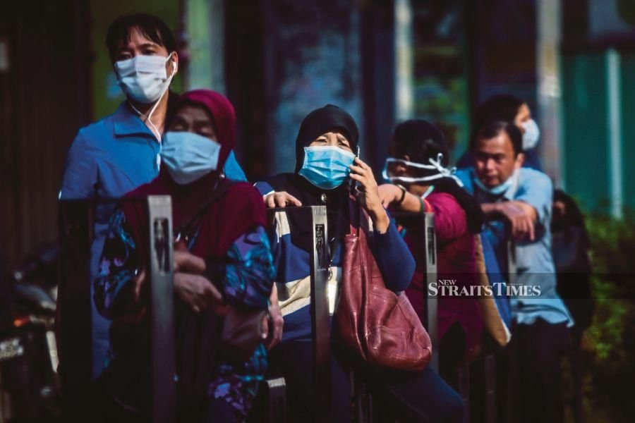 Pahang had agreed to donate a portion of their salary to aid Malaysians whose livelihoods has been badly affected by the Covid-19 pandemic and the MCO. -NSTP/ASYRAF HAMZAH