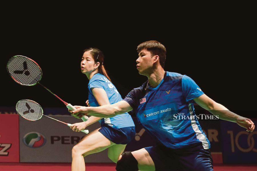 Goh Soon Huat (right) and Shevon Lai clears first round of Barcelona Spain Masters today. NSTP FILE PIC