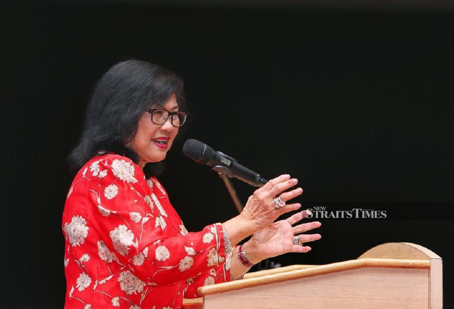 Former International Trade and Industry Minister Tan Sri Rafidah Aziz is now among the high-powered 16-member Economic Action Council (EAC) that advises Prime Minister Tun Dr Mahathir Mohamad on ways to address Malaysia's economic problems. NST photo by Awadi Alias.