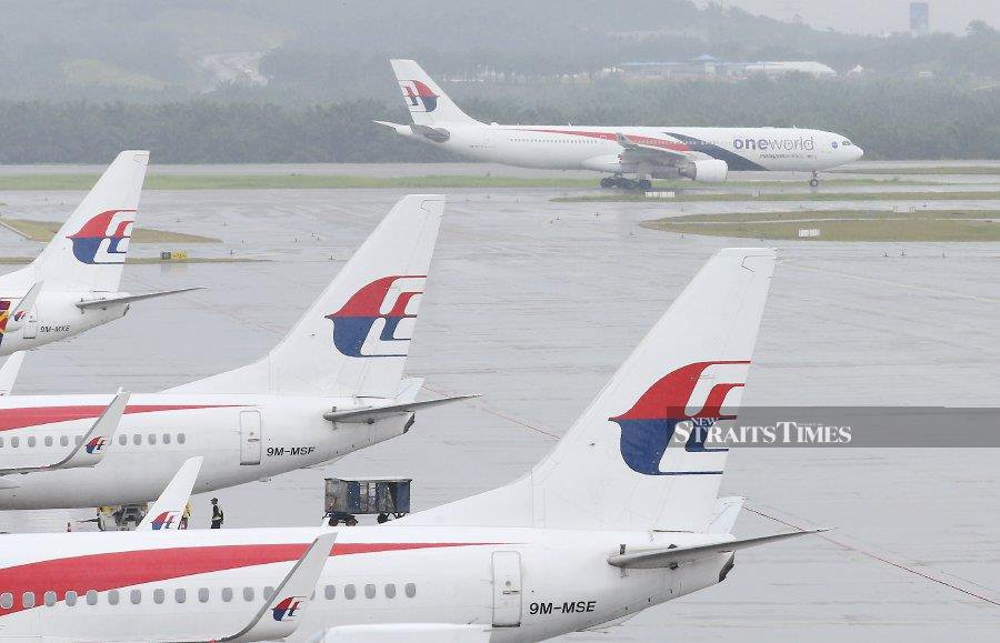 AirAsia chief executive officer Tan Sri Tony Fernandes was reported as saying earlier that there is no plan for the low-cost airline to buy Malaysia Airlines Bhd (MAB). - NSTP/File pic