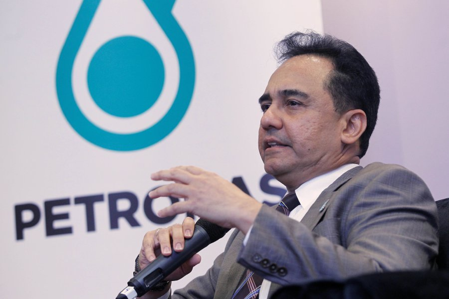 Malaysia's Petronas raises payout commitment to government as profit surges