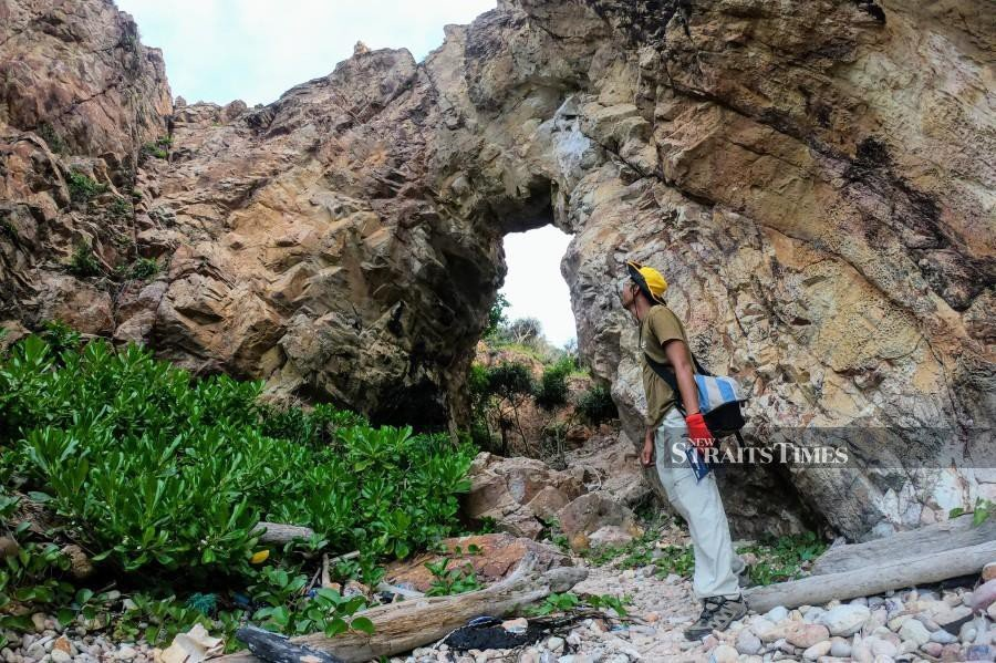 Stone arch named Heaven's Gate at Pulau Mawar