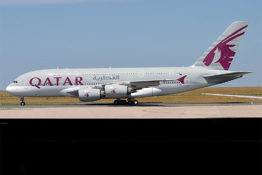 Qatar airways%2c a7 apg%2c airbus a380 861 %2835723396186%29 1585461918