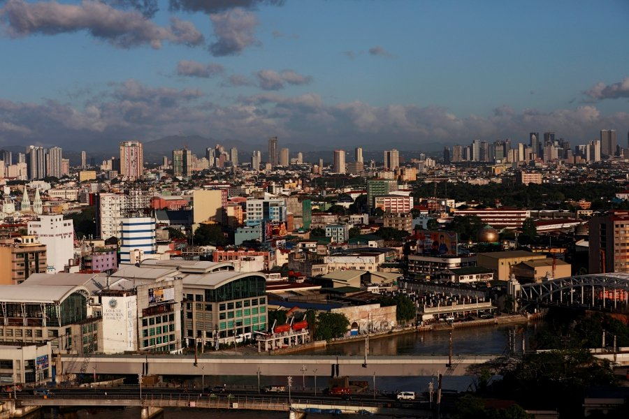 (File pix) A general view of Manila. The Philippines' transport regulator has rejected the application of Indonesia's Go-Jek to launch a ride-hailing service in the country due to foreign ownership issues. Reuters Photo