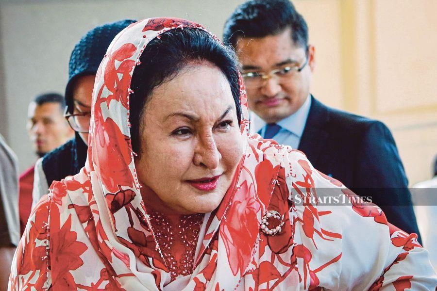 An internal feud among business partners in the company which was handed a RM1.25 billion contract almost led one of them to expose then prime minister Datuk Seri Najib Razak and his wife Datin Seri Rosmah Mansor's roles in awarding the project to Jepak Holdings Sdn Bhd. - NSTP/AIZUDDIN SAAD