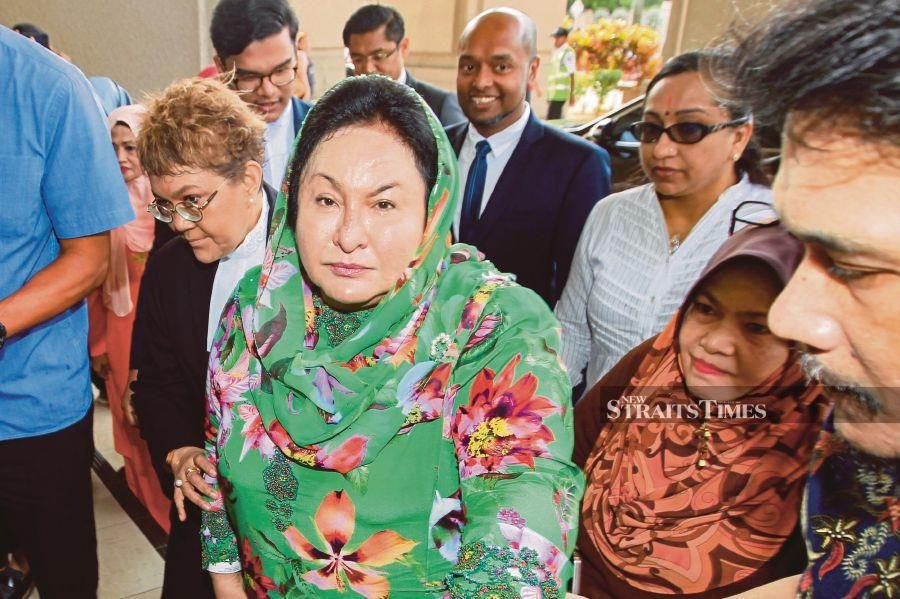 The doctor who issued an MC (medical chit) to Datin Seri Rosmah Mansor has ended up being questioned by Malaysian Anti-Corruption Commission (MACC). - NSTP/AIZUDDIN SAAD