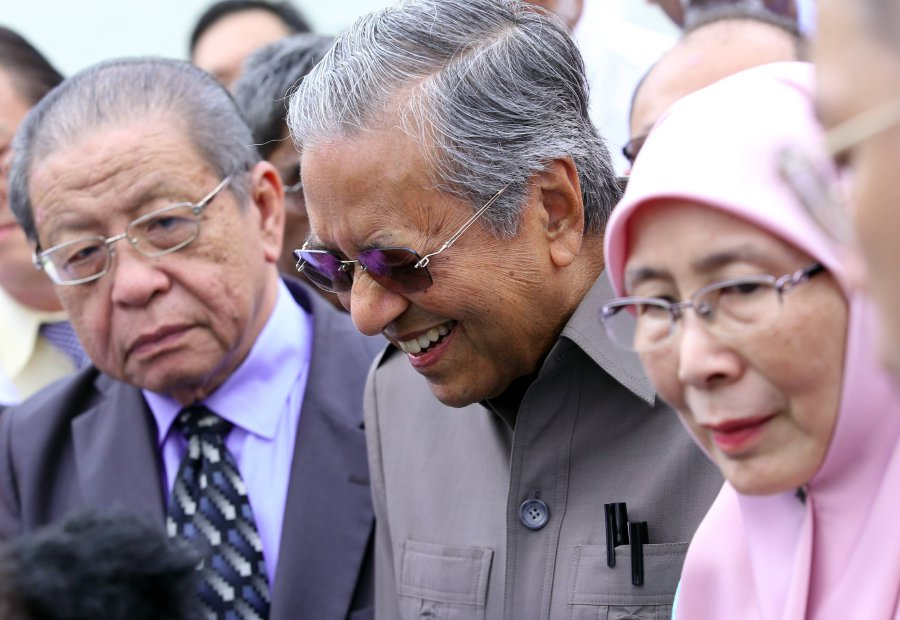 Image result for dr. mahathir bin mohamad and anwar ibrahim