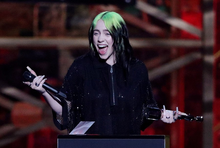 Billie Eilish receives the award for International Female Solo Artist at the Brit Awards at the O2 Arena in London, Britain, February 18, 2020. - REUTERS/Hannah Mckay