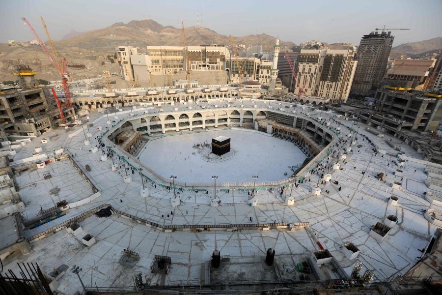 Saudi Arabia Empties Part Of Makkah S Grand Mosque For Sterilisation
