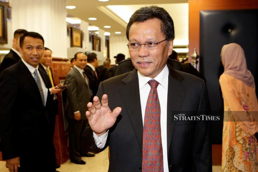 The Chief Minister's Department has rubbished a news report saying that Datuk Seri Mohd Shafie Apdal had only sent a representative to meet the Yang di-Pertuan Agong on his behalf. NSTP/AIZUDDIN SAAD