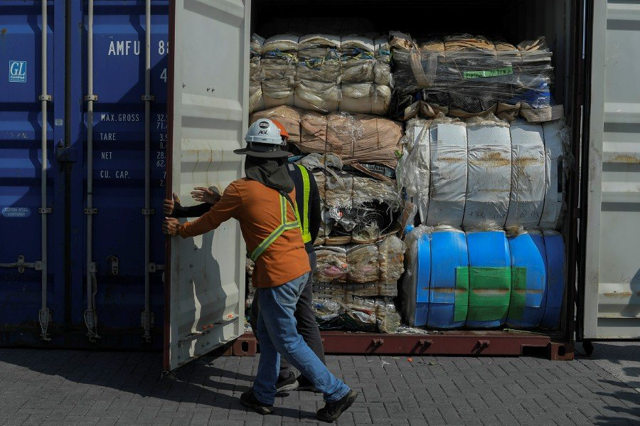 62 Malaysian companies hold permits to import plastic waste | New