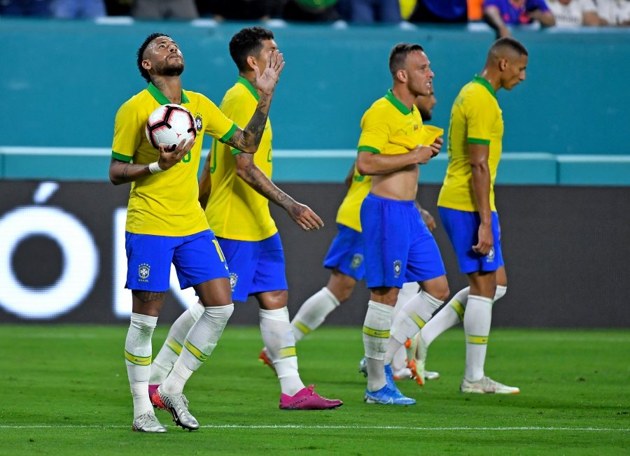 Brazil share spoils with Colombia in entertaining 2-2 draw