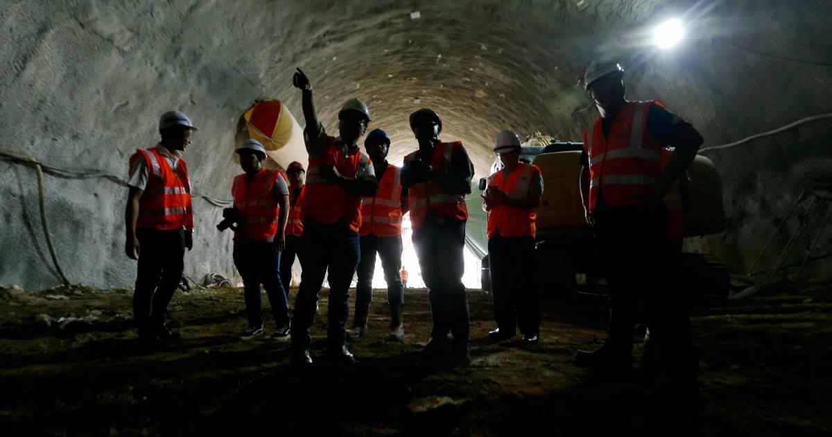 Lam Thye: Set up Safety Audit Units for development, maintenance projects