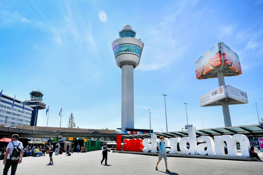 Air traffic at Amsterdam's Schiphol briefly disrupted by