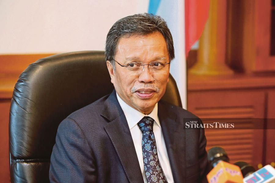 Datuk Seri Mohd Shafie Apdal says the government should focus on nation building instead of catering to a single race or religion. - NSTP/File pic