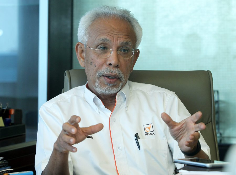 Federal Land Development Authority (Felda) chairman Tan Sri Shahrir Abdul Samad was quoted as saying that solutions that will be put forward by the government will hopefully help improve FGV's operations. Pix by YAZIT RAZALI.