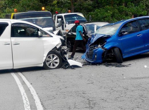 Six adults, two children injured in three-car crash | New Straits