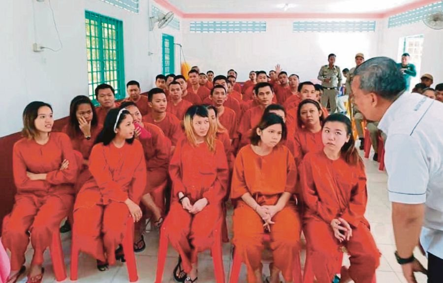 (File pix) The Foreign Ministry is certain that a large number of the 47 Malaysians who were detained by the Cambodian government are innocent and are not involved in any wrongdoing. Courtesy Photo