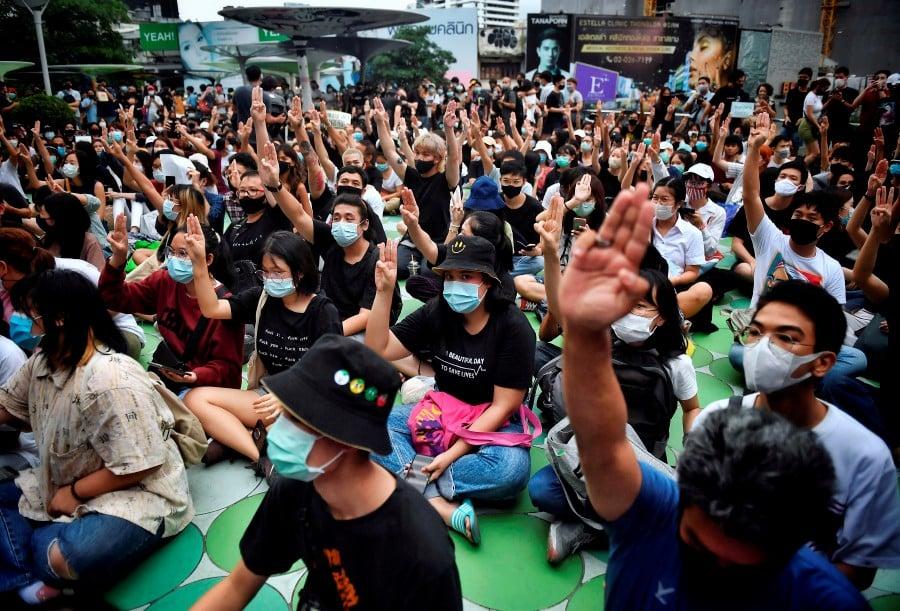 Protest erupts in Bangkok over arrests of activists