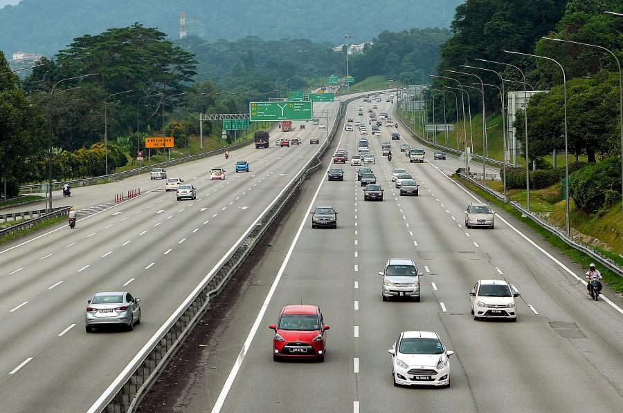 Traffic report: 5km snarl between Tapah, Gopeng