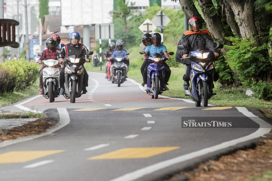 (File pic) The focus of the task force should be to create a whole new motorcycle riding culture to put an end to speeding, which is the major cause of fatal motorcycle crashes. -NSTP/HAFIZ SOHAIMI
