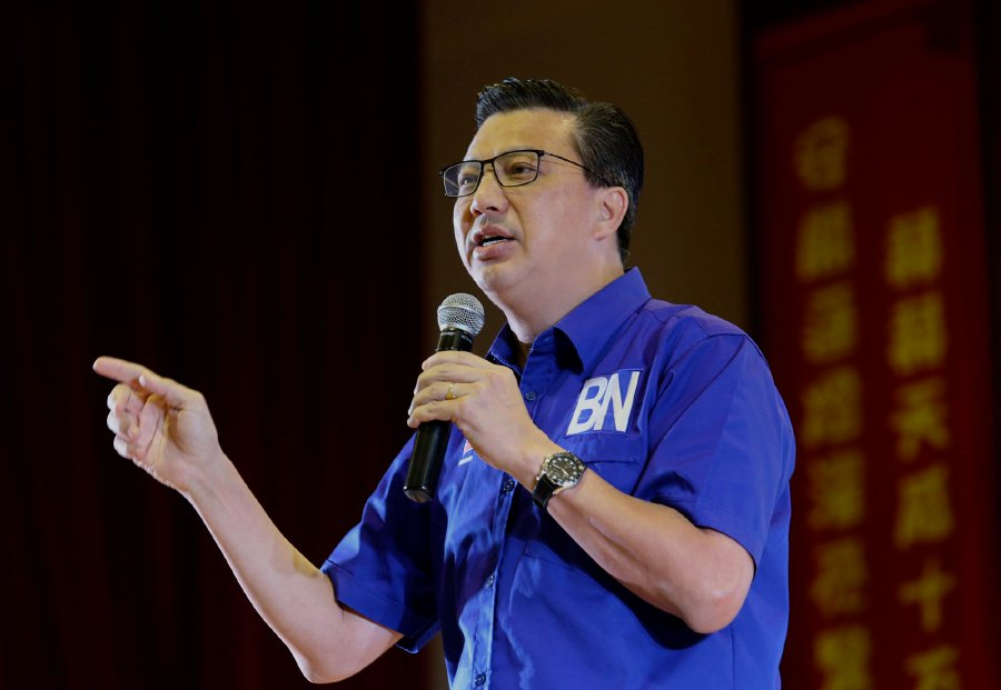 The Department of Civil Aviation has been ordered to investigate the matter regarding Tun Dr Mahathir Mohamad's accusation on the possibility that the plane he boarded to Langkawi had been sabotaged said Transport Minister Datuk Seri Liow Tiong Lai (File pix)