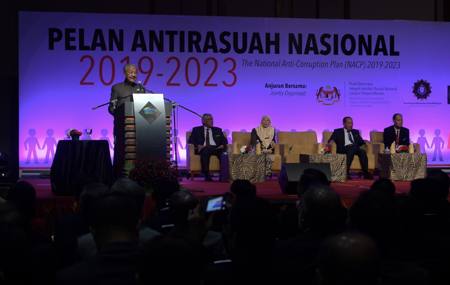 The newly-launched National Anti-Corruption Plan (NACP) serves as a warning to all – including the prime minister and Cabinet ministers – to steer clear of graft. (Bernama photo)