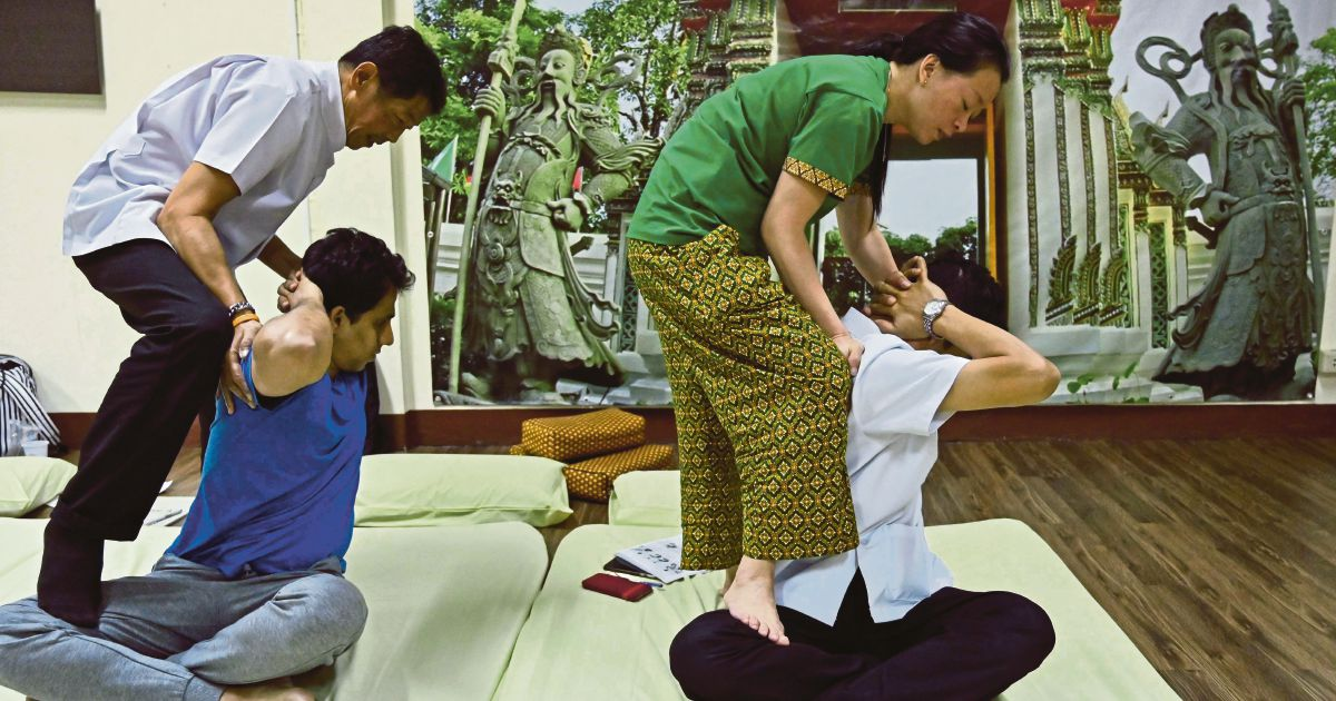 No pain, no fame: Thai massage could get Unesco status