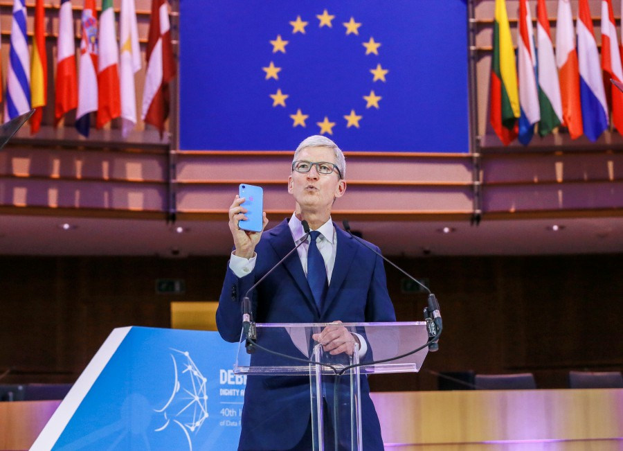 Chief Executive Officer of Apple Tim Cook gives a speech during the 40th International Conference of Data Protection and Privacy Commissioners at the European Parliament in Brussels, Belgium, 24 October 2018. EPA