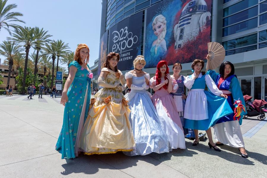 Star Wars', 'Frozen 2', 'Mulan' footage wows Disney fan fest