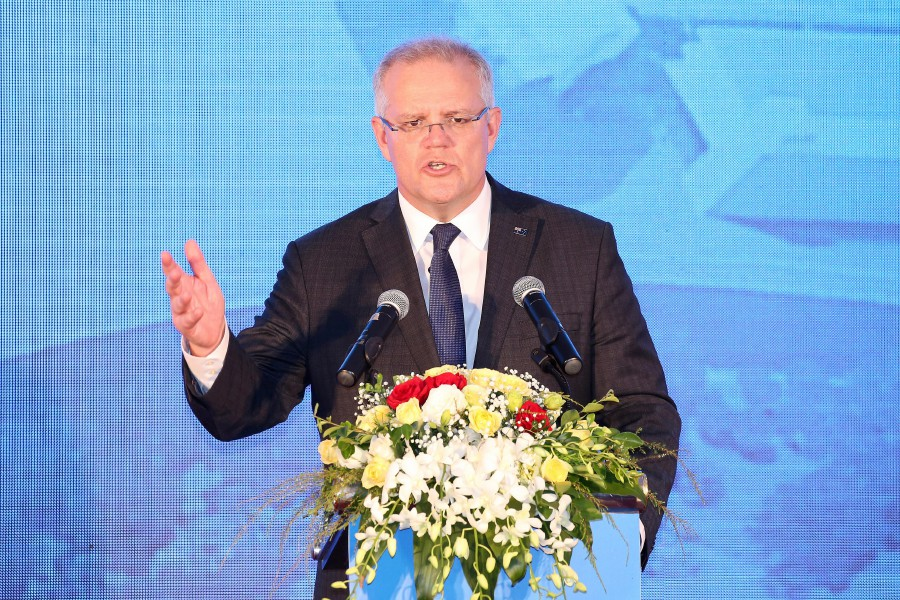 Australian PM lambasted for going on U.S. holiday as nation burns