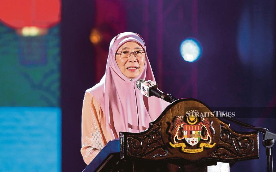 Deputy Prime Minister Datuk Seri Dr Wan Azizah Wan Ismail said Malaysia had faced a challenging time since the start of the year due to the virus outbreak. NSTP/MIKAIL ONG