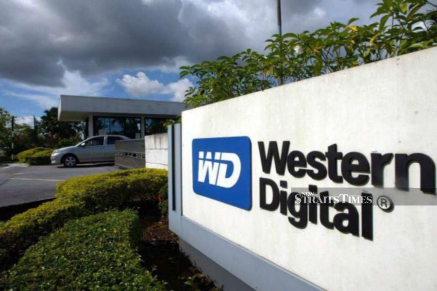 American hard disk drive manufacturer and data storage company Western Digital will further invest RM2.3 billion to expand its presence in Malaysia. NST file pix