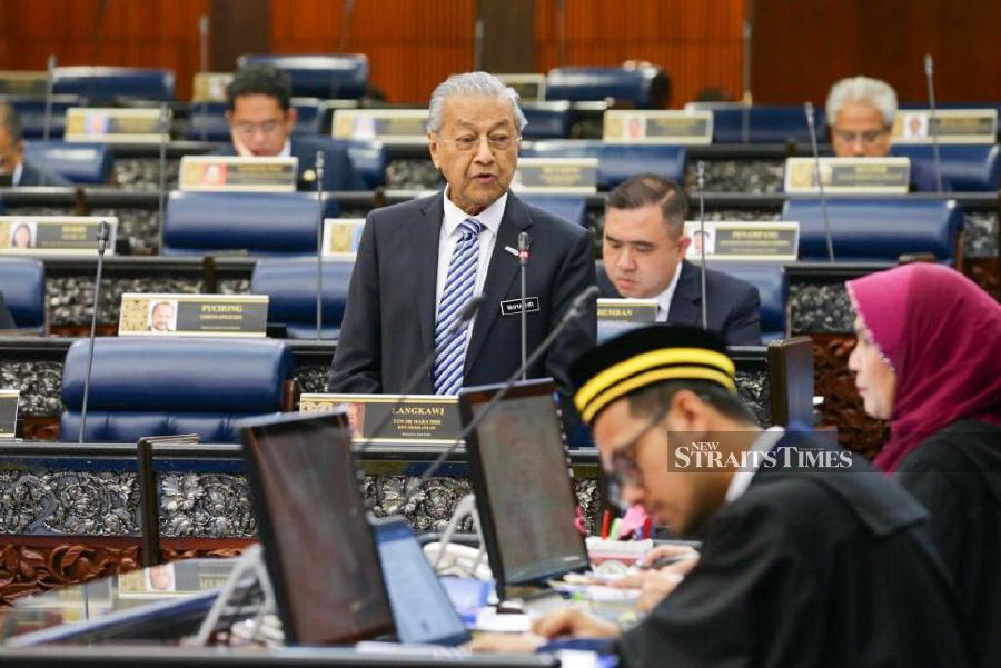 Prime Minister Tun Dr Mahathir Mohamad speaks during the Question and Answer session at Dewan Rakyat. - NSTP/Muhd Zaaba Zakeria