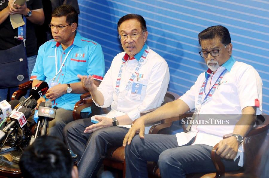 No leaders in PKR have called for the removal of Datuk Seri Azmin Ali from the party, its president Datuk Seri Anwar Ibrahim said. - NSTP/RASUL AZLI SAMAD