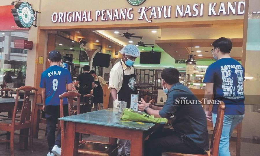 Operators ensure patrons adhere to new norms at their restaurants.