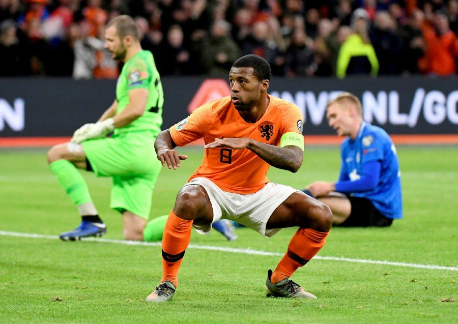 Wijnaldum hat-trick drives Netherlands to easy win over Estonia