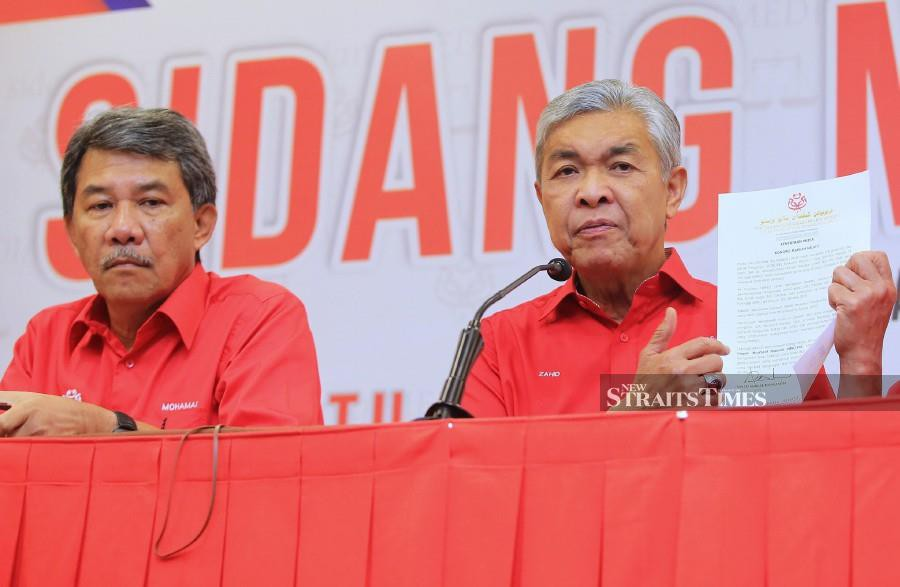 Umno president Datuk Seri Dr Ahmad Zahid Hamidi (right) will not be attending Kongres Maruah Melayu due to prior commitments, despite expectations for the top party leader to be present at the event. NSTP/MOHD YUSNI ARIFFIN.