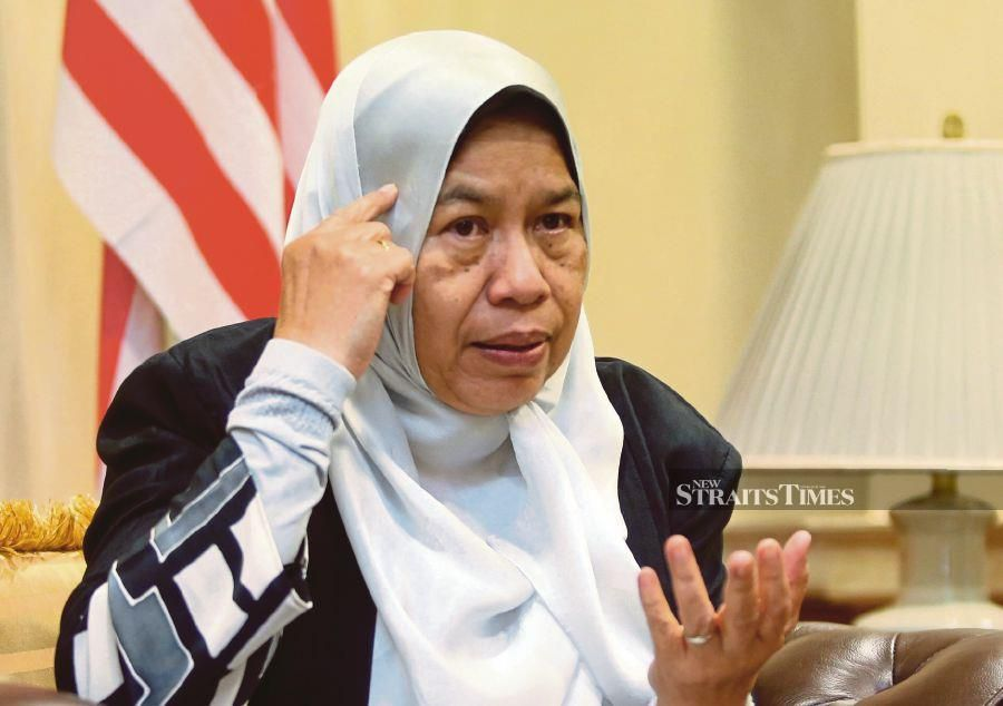 PKR vice president Zuraida Kamaruddin has been given 14 days to respond to a show-cause letter issued to her on claims of disciplinary misconduct. - NSTP file pic