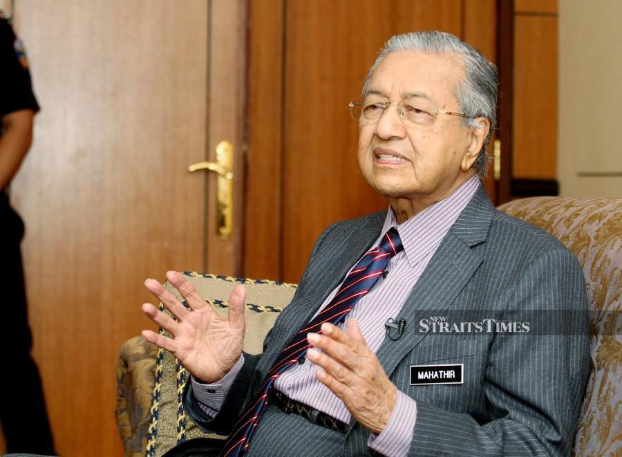 Prime Minister Tun Dr Mahathir Mohamad says the machinery of government has been cleansed and is rapidly adapting to the new ways of working. -NSTP/File pic