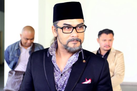 Rock musician and actor Awie, was fined RM2,000 by the magistrate's court for causing hurt to his ex-wife Rozana Misbun. Pix by MOHAMAD SHAHRIL BADRI SAALI.
