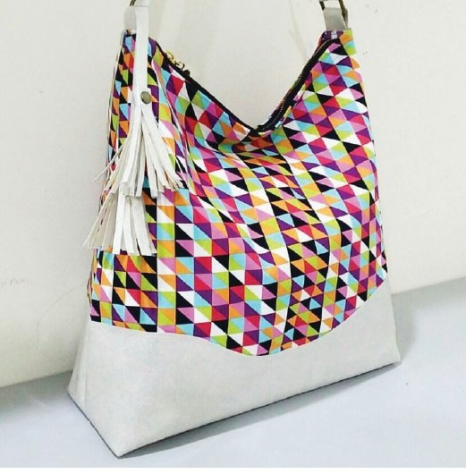 Hobo bag with glitter vinyl by Adourra. Credit:@adourra
