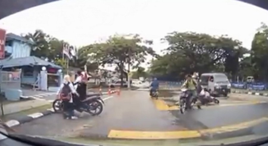 Who Is At Fault? Viral Video Of Johor Traffic Accident Divides Malaysians