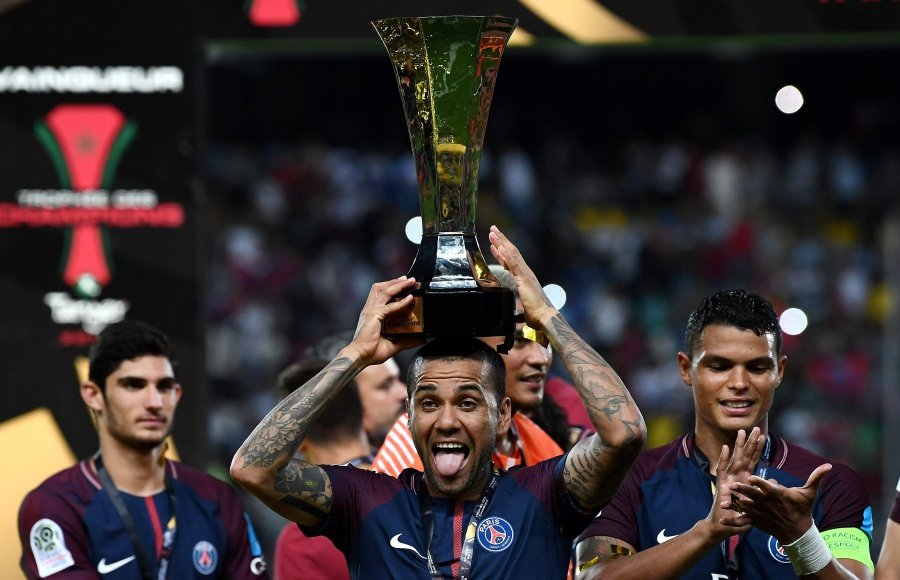 PSG lining up huge bid after they manage to secure Neymar