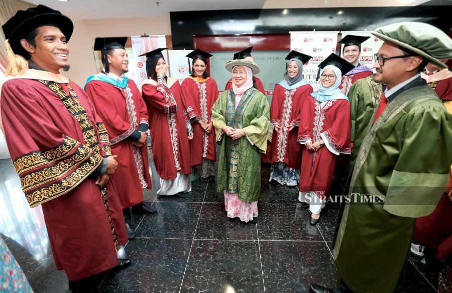 Universiti Putra Malaysia (UPM) will register the highest number of doctoral graduates in the university's history and in the nation this year with a total of 632 graduates who will be receiving their scrolls during its 43rd convocation ceremony. (NSTP/MOHAMAD SHAHRIL BADRI SAALI)