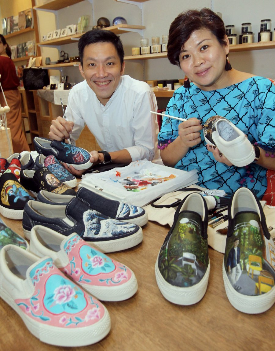 c258402048573 Art on shoes: Two friends turn canvas footwear into works of art ...