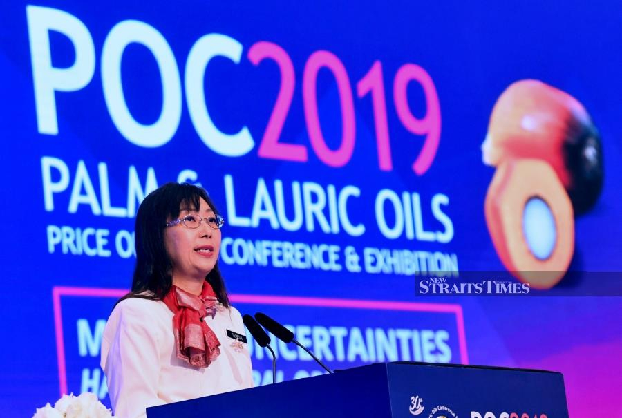 Primary Industries Minister Teresa Kok said the move would pave the way for the local oil palm industry to dispel unfounded negative perceptions from certain quarters in the European Union (EU). Bernama Photo